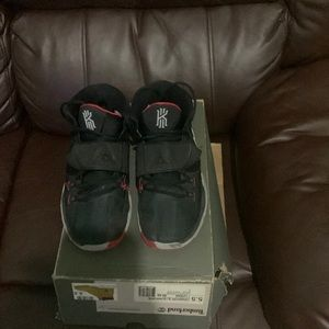 Nike sneakers in good condition any questions ask